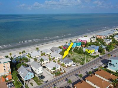 Photo for Adorable Mid-Island Beach Bungalow Apartment! Direct, Private Beach Access! Free Parking & WiFi!