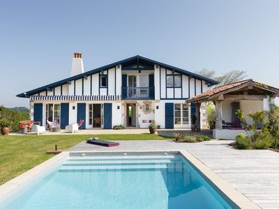 Photo for Beautiful house 4 bedrooms 4 bathrooms 8 people swimming pool 200m²