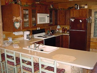 Dine out or enjoy the fully furnished kitchen  in the comfort of the cabin.