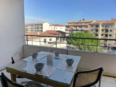 Photo for One bedroom Apartment, sleeps 4 in Saint-Aygulf with Air Con and WiFi