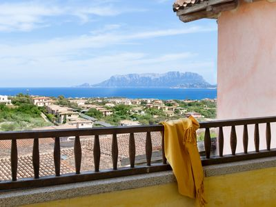 Photo for Holiday Apartment with Wi-Fi, Air Conditioning & Terrace; Parking Available, Pets Allowed