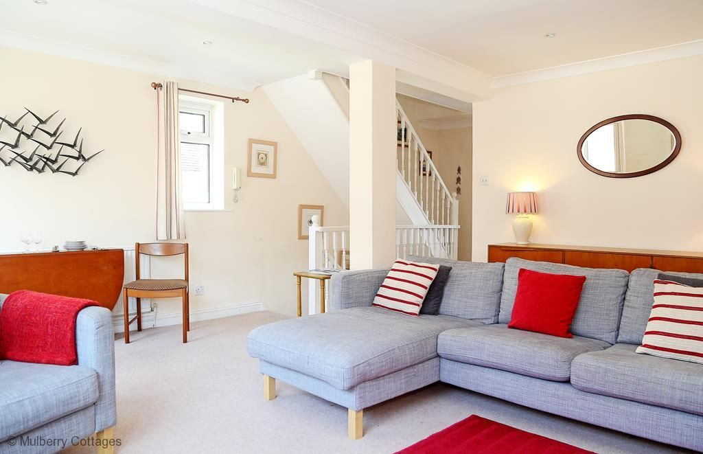 The Landing in Hythe - a house that sleeps 7 guests in 4 bedrooms