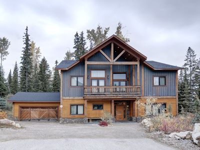Photo for Ultimate luxury home for skiing Kicking Horse and nearby ski areas, Banff & Yoho