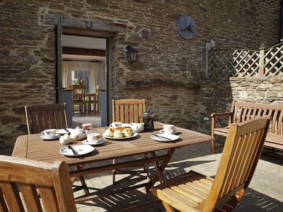 Photo for SHEPHERDS COTTAGE, family friendly in Goveton, Ref 995796