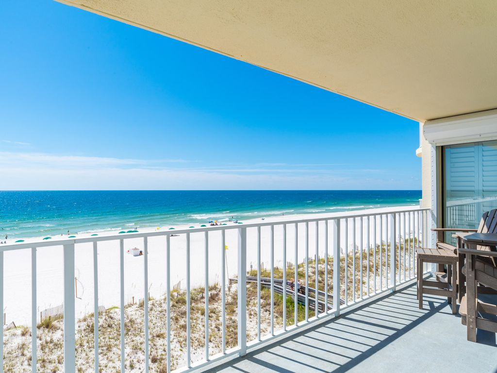 Beautiful 3 Bedroom Beachfront Condo With Stunning Views From Wraparound Balcony Orange Beach