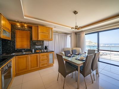 Photo for Del Mar Seafront Apartment