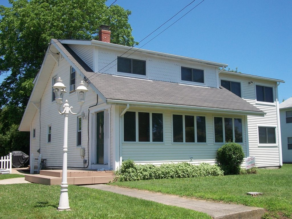 Charming New England Cottage, Walk To Beach, Summer Fun ...