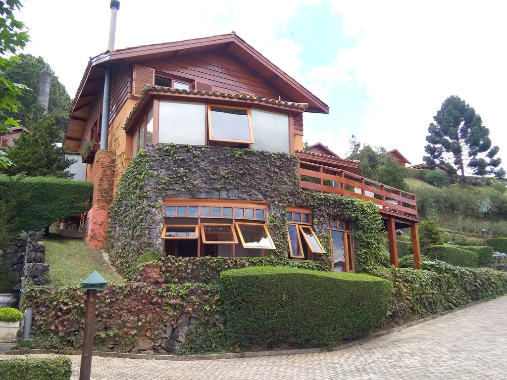 Cozy beautifully decorated fully homeaway campos do for Fully decorated homes