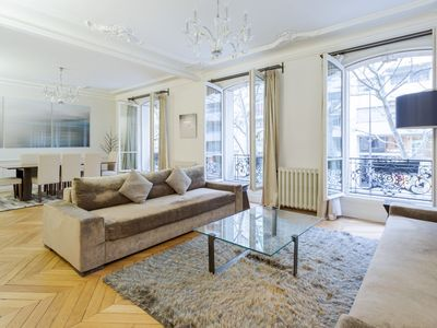 Photo for Luxurious family apartment in the center of Paris