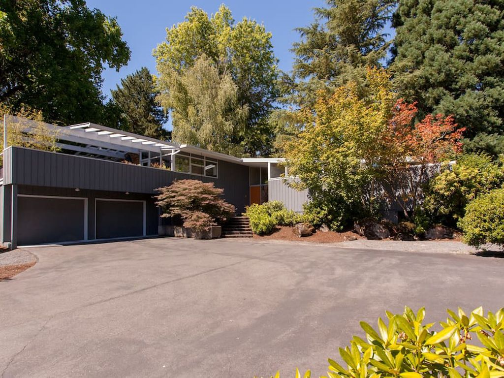 Private Mid Century Modern Retreat | Glass House, Portland,Portland ...