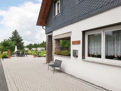Photo for Apartment with covered terrace in Thuringia, at the Bergsee/reservoir Ratscher