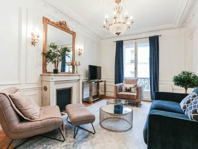 Photo for EXCELLENT LOCATION! ELEGANT AND MODERN APARTMENT SECONDS TO EIFFEL TOWER!