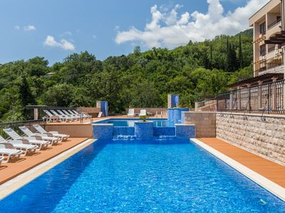 Supreme 3bedroom Apartment with Swimming Pool