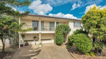 Search 377 holiday rentals