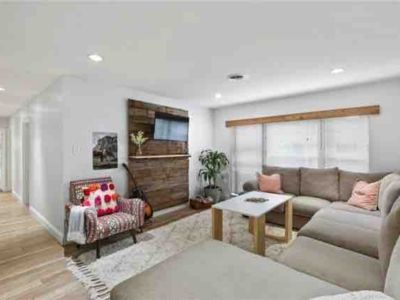 Photo for Spacious Modern Home Located on the Edge of Downtown Dallas