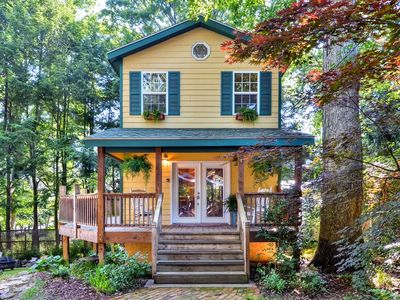 Photo for 'Mimi's Cottage' - 2 Miles to Downtown Asheville!