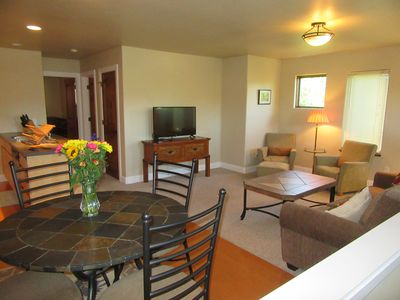 Photo for Spacious And Luxurious Carbondale 1BR Apartment In Exclusive River Valley Ranch