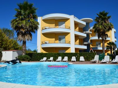 Photo for House in residence with swimming pool, only 100 meters from the sea.