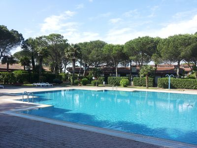 Photo for Holiday house with swimming pool and private parking space
