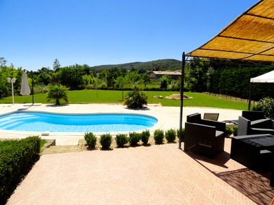 Photo for GARD - Near UZES - Villa standing 8 people - Quiet - Swimming pool - Petanque - View