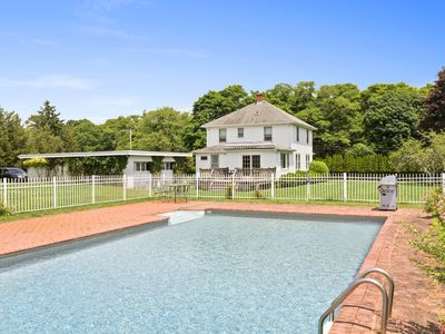 Photo for Updated Victorian home with private pool, expansive backyard - dog-friendly!