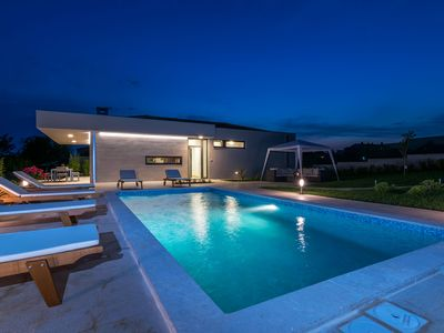 Photo for New modern Villa whit heated pool, Fazana, Pula, Croatia