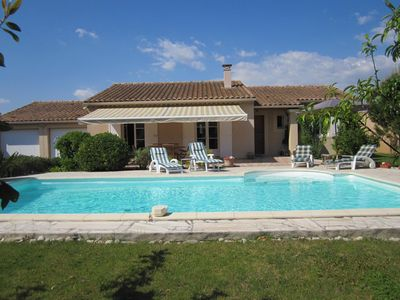 Photo for Pretty house with private pool in Isle sur la Sorgue, 6 persons