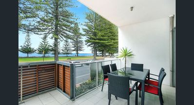 Photo for 10 The Breeze - Right in the Heart of Victor Harbor