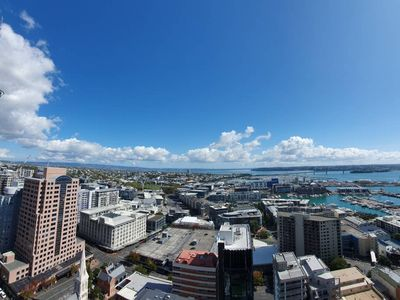 Photo for Amazing Harbour, Skytower & Rangitoto Views