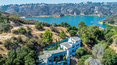 Photo for Bel-Air Oasis with Spectacular Views