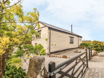 Photo for BEACON VIEW, pet friendly, with open fire in Helston, Ref 1009875