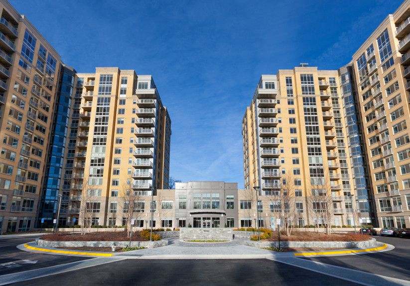Spacious 2BD Reston w/Pool & Spa