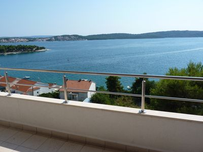 Photo for 4-bedroom penthouse apartment close to old city Trogir