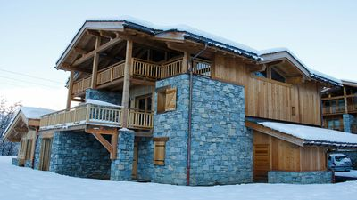 Photo for Luxurious Chalet - Feet of the slopes - The 3 Valleys
