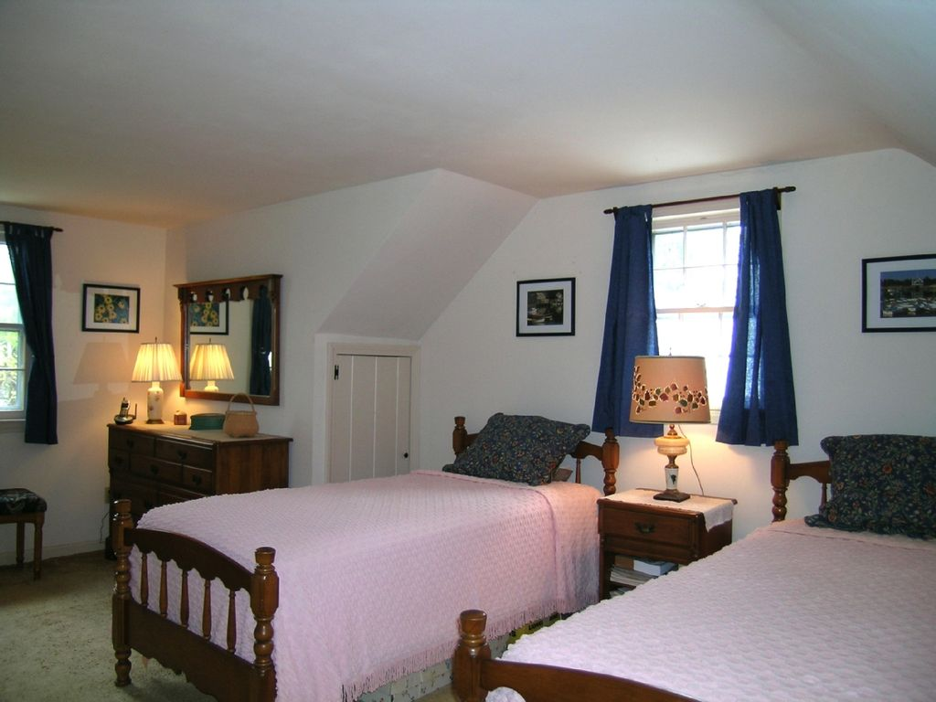 deal cod of pet bed davisville home conservation yards cottage luxury image cottages area cape falmouth the beach property e friendly from classic ha in s