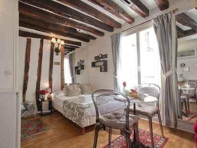 Quiet and sunny studio in the heart of the Latin Quarter