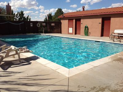 Photo for Pet Friendly 5 Star Rated 3 Bed 2 Bath, 2 King Rooms and Double Twin Room