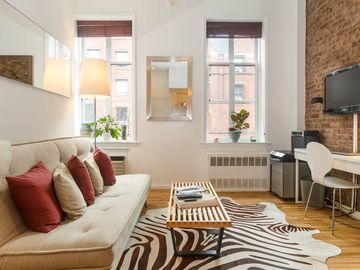 Chelsea Oasis 1 Bedroom Brownstone in Excellent Location