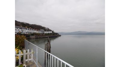 Photo for Porthfa, 2 Bedroom Cottage, Sleeping 4 persons with Seafront Estuary Views