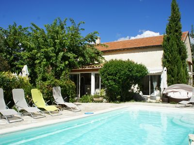 Photo for Holiday villa with private pool near Aix en Provence