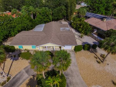 Photo for Walking distance to THE WORLD FAMOUS SIESTA KEY BEACH