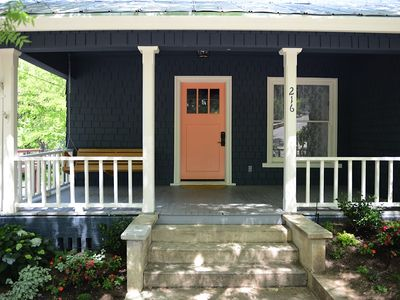 Photo for Downtown Sonora Gem! Quaint and cozy cottage, Walk to shops.
