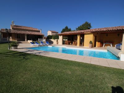 Photo for Nice villa in Courthézon, Vaucluse, heated pool and pool house