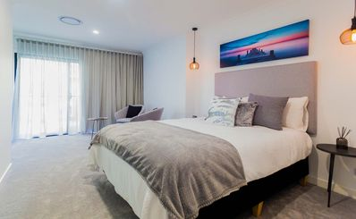 Photo for Deluxe City View Room in Surfers Paradise - Lamour House