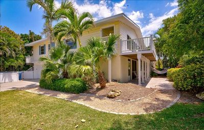 NEWLY LOWERED RATES AND FLEXIBLE CHECK-IN DATES!! STEPS TO THE GULF OF MEXICO WITH A POOL! CALL FOR DETAILS!  ADORABLE 2 BEDROOM UNIT. BOOK YOUR 2020 STAY TODAY!