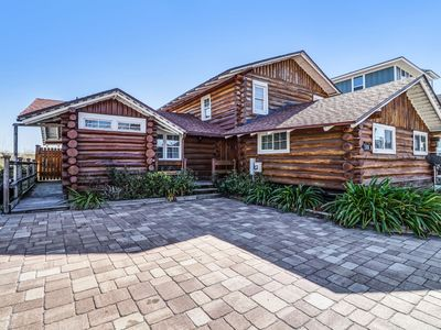 COZY LOG CABIN DIRECTLY ON BEACH! BOOK NOW!