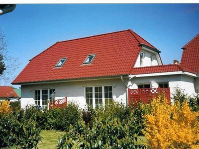 Photo for Holiday cottage Zingst for 2 - 4 people with 2 bedrooms - Holiday home