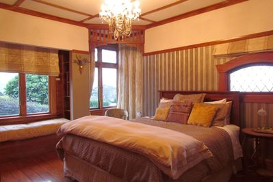 Sumptuous Master bedroom with a Super King bed