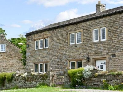 Photo for END HOUSE, pet friendly, with open fire in West Burton, Ref 5279