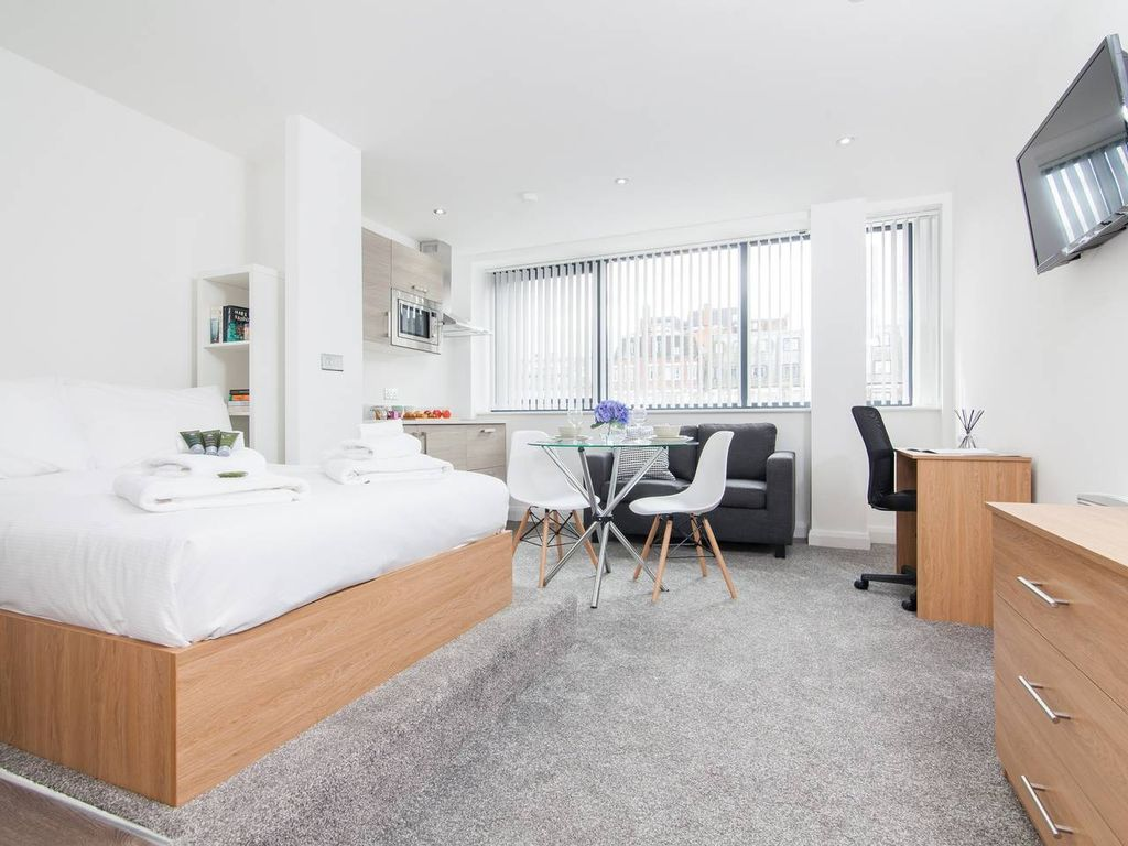 Flat 49 · Super Central Manchester Studio with Concierge - Studio Apartment, Sleeps 2